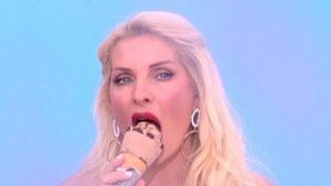Ελένη Μενεγάκη μαθήματα στοματικού σεξ