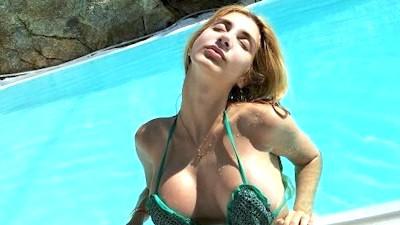 Η νεαρή Χρύσα Ζήρα σε βίντεο σεξ