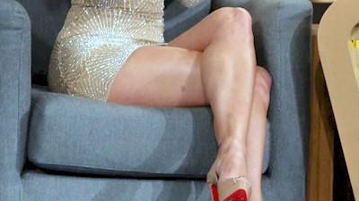 Ιωάννα Τούνη σεξυ γόνατα