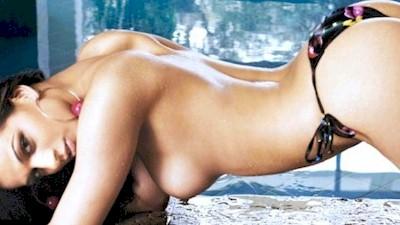 Μαρίνα Λιναρδάτου γυμνόστηθη