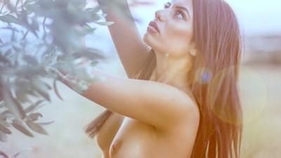 Μαριάννα Μπαφίτη γυμνόστηθη