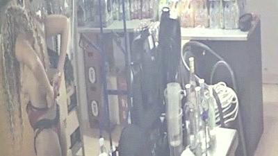 Αναστασία Γιούσεφ γυμνόστηθη κάμερα παρακολούθησης